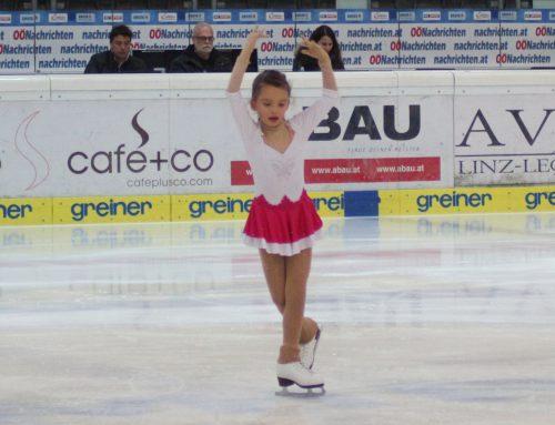 Saisonauftakt der UES-Eiskunstläufer in Linz