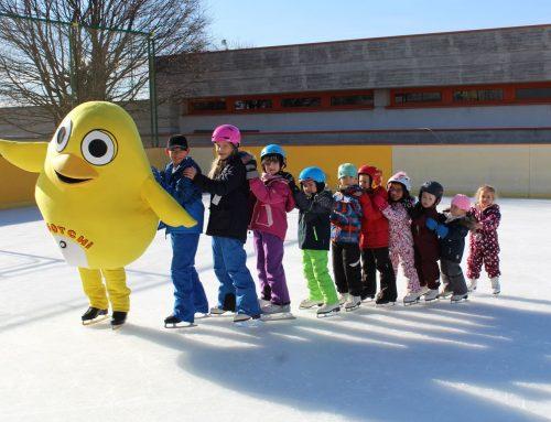 Ugotchi lernt Eislaufen – Erstmals veranstalten wir einen Herbstferienkurs!